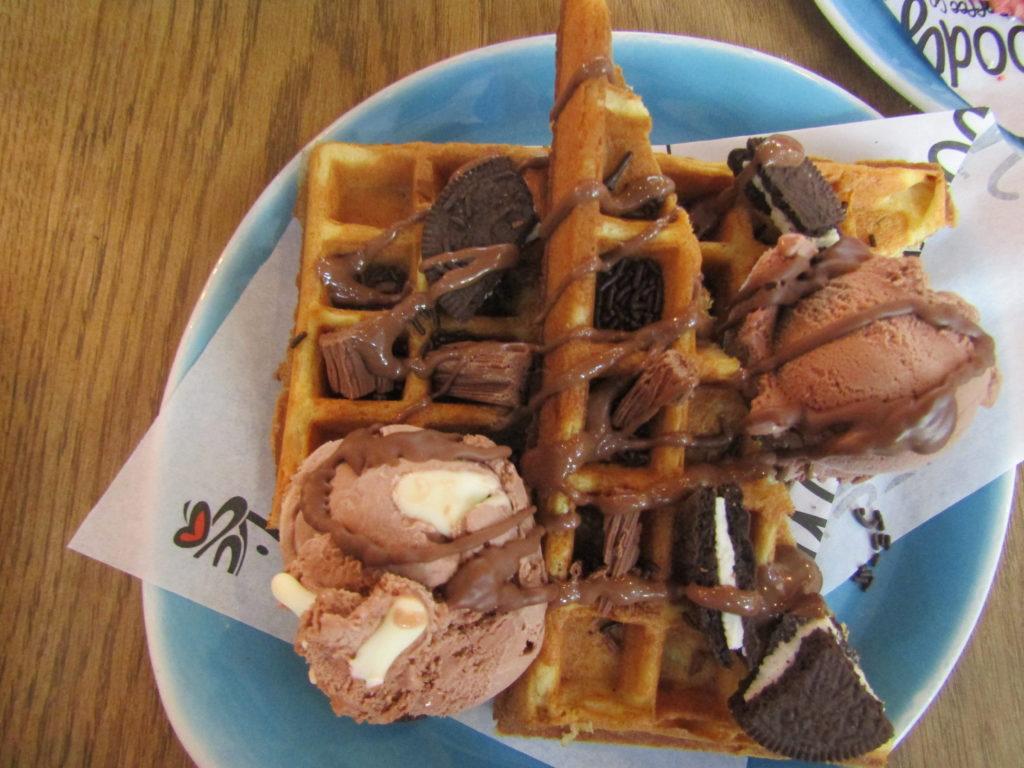 #moodycow #gelato #clearwatermall #johannesburgrestaurants #restaurants #johannesburg #boozyfoodielikes #moodycowcoffeeandgelato #moodycowgelato #chocolatechallenge #chocolatewaffles
