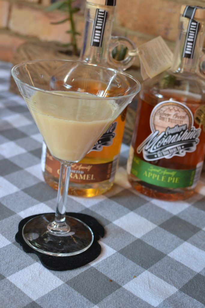 Silver Creek Distillery, Southern Moonshine, Salted Caramel Drink, Cocktail recipes, BoozyFoodie Likes, Blogger, Recipe Developer, Gauteng, Drink