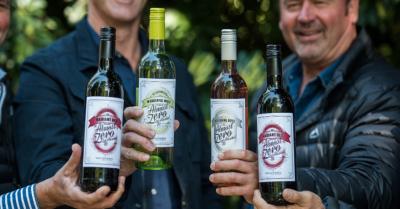 Van Loveren Wines adds red and rosé to its Almost Zero range (PR)